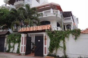 Villa for rent 300sqm near The Vista apartment in district 2