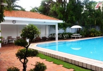 Villa for rent in Greenfield with small pool 4 bedrooms unfurnished